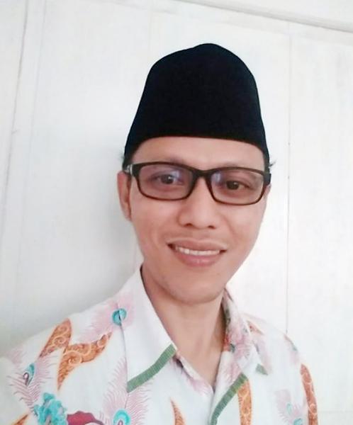 Ahmad Hadziq, S.HI