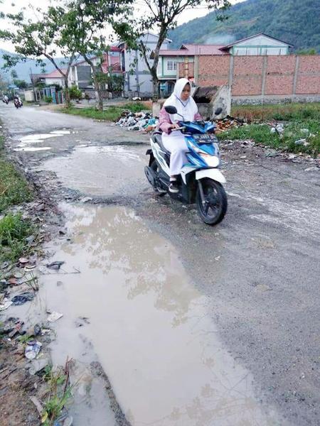 Jalan Tanjung Pauh Hilir.
