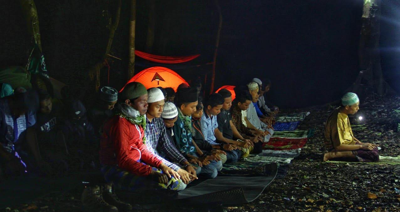 Tarawih di Gunung Tujuh Kerinci