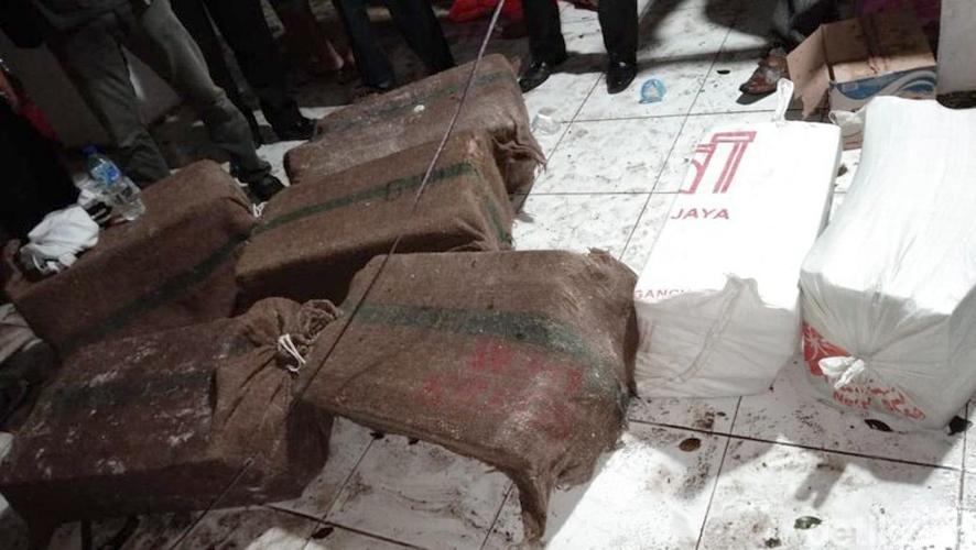 Uang Rp 30 Miliar yang diselamatkan dari kapal KM Lestari Maju