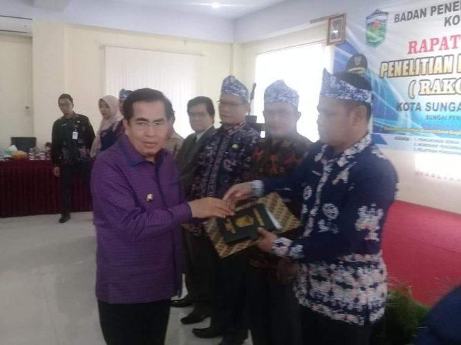 Walikota Sungai Penuh, H. Asafri Jaya Bakri (AJB)