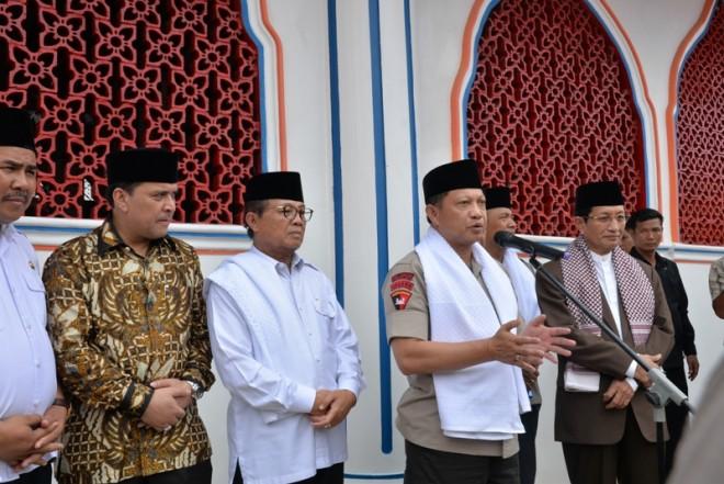 Gubernur Jambi, Dr.Drs.H.Fachrori Umar,M.Hum saat bersama Tito Karnavian, semasa menjadi Kapolri.