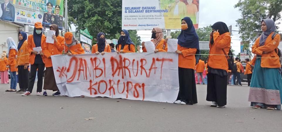 Aksi Demo Mahasiswa Unja