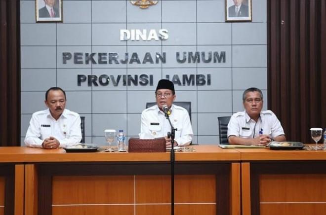 Plt Gubernur Jambi Dr. Drs. H. Fachrori Umar, M.Hum