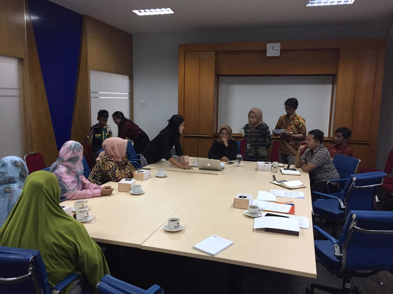 Pengacara dan Pendamping Petani SMB antaralain YLBHI,Kontras, Walhi, Jatam, dan Yayasan Perlindungan Insani ketika membuat aduan ke Ombudsman Pusat Jakarta