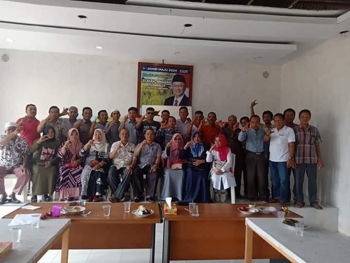 Foto bersama tim pemenangan Cek Endra di Kabupaten Merangin.