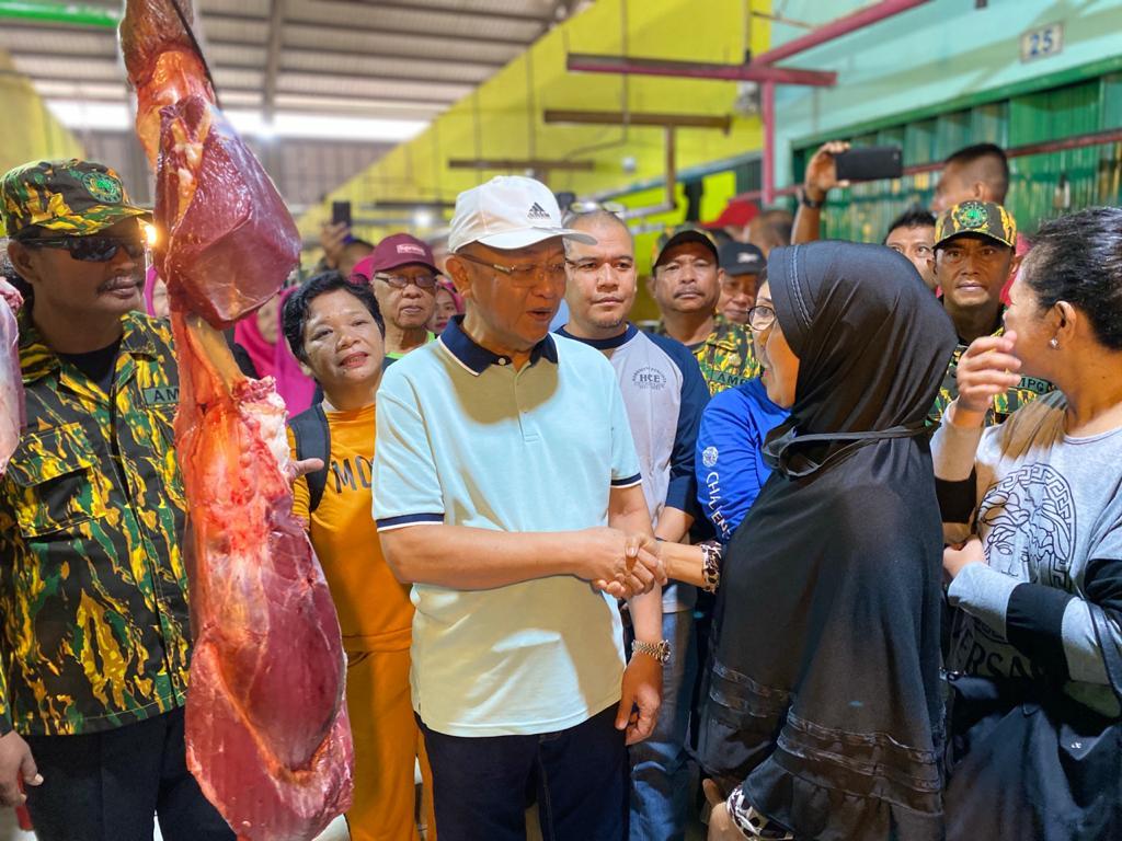 Cek Endra menyapa warga dan pedagang di Pasar Angso Duo