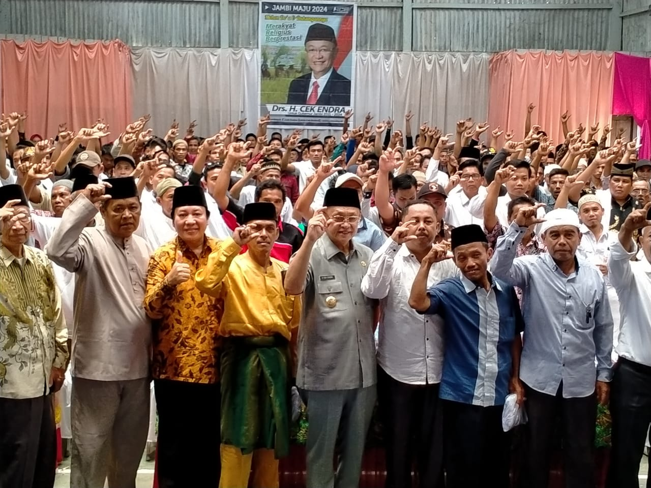 Keluarga besar Batang Asai menyokong Cek Endra menuju Gubernur Jambi.