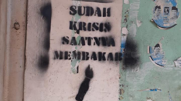 Vandalisme bernada provokatif ditemukan di enam titik di kawasan Pasar Anyar Sukarasa Kota Tangerang. Istimewa