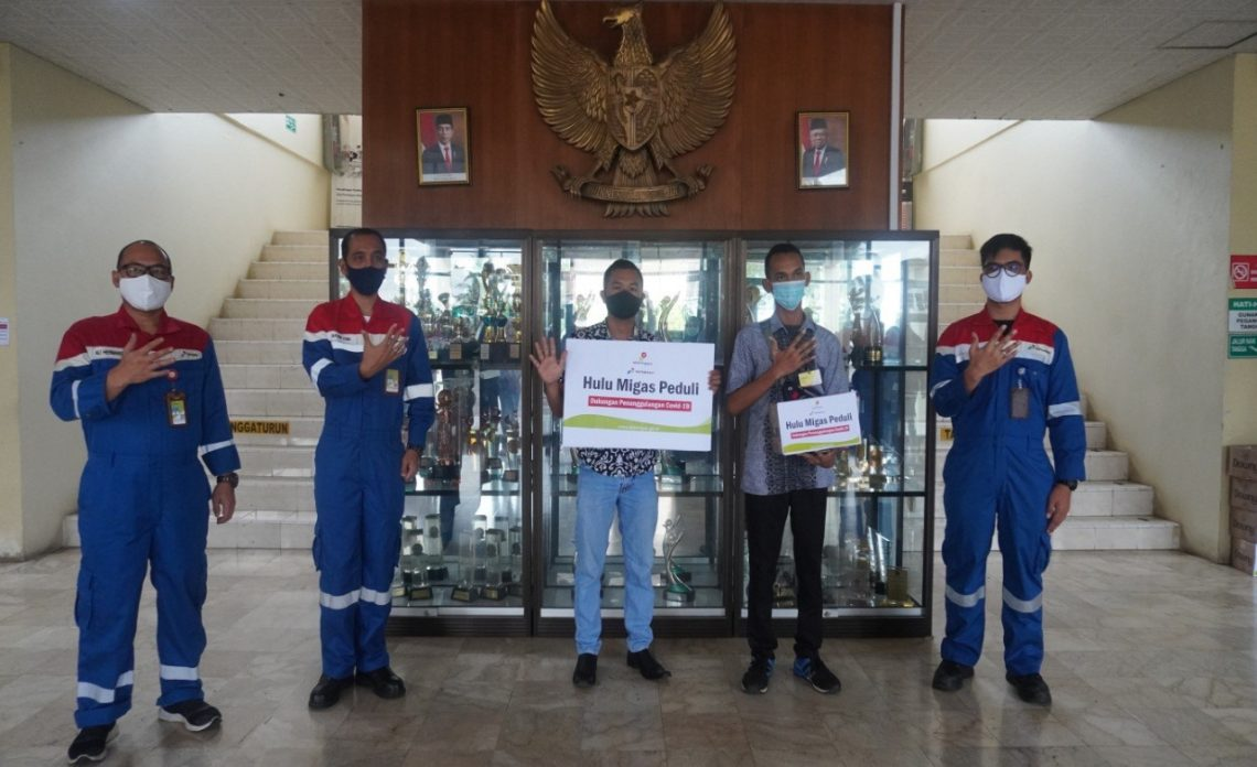 Penyaluran bantuan dari Pertamina Aseet 5