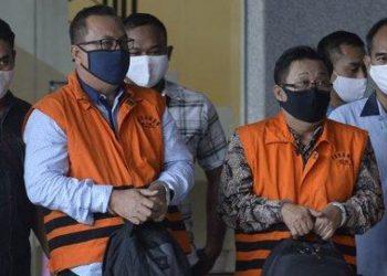 Pimpinan dewan Jambi ketika digelandang ke sel tahanan KPK