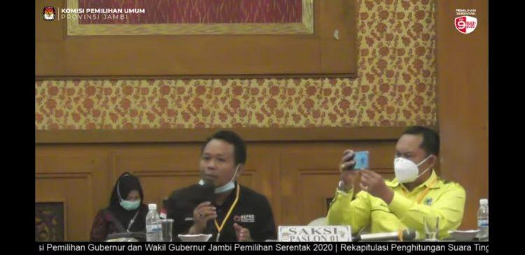 Akmaludin, saksi 01 saat mengungkap sejumlah kejanggalan di Pleno KPU Provinsi Jambi