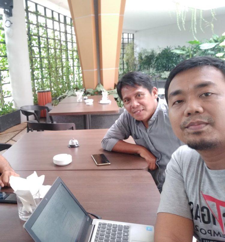 Penulis saat bersama bang Joni Rizal